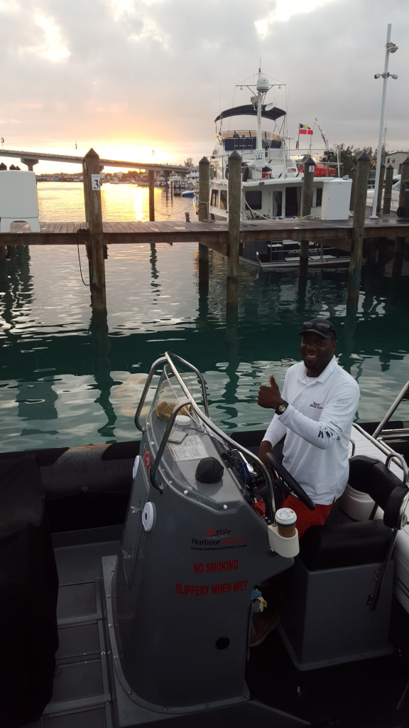 Captain Daron headed to the Swimming Pigs from Nassau